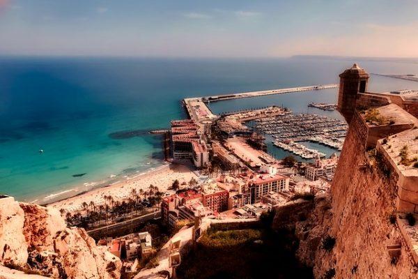 Cerrajero urgente Alicante te recomienda cuidar tus cerraduras